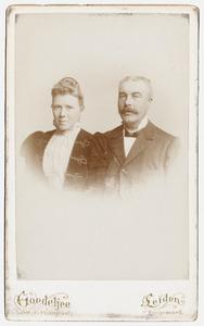 Portret van Guillaume Pierre van Outeren (1858-1912) en Helena Gerardina Kleinpenning (1868-?)