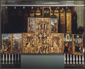 Christus in Gethsemane, de gevangenneming (binnenzijde linkerluiken); De annunciatie, de visitatie, de geboorte, de aanbidding van de Wijzen, de besnijdenis, de presentatie, de kruisdraging, de kruisiging, de bewening (middendeel); Ecce Homo, de opstanding (binnenzijde bovenluiken); Hemelvaart, Pinksteren (binnenzijde rechterluiken)