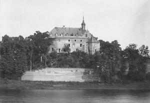 Kasteel De Keverberg voor oorlogsschade en restauratie