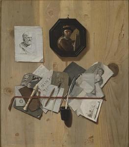 Trompe-l'oeil met tekeningen, prenten en een schilderijtje