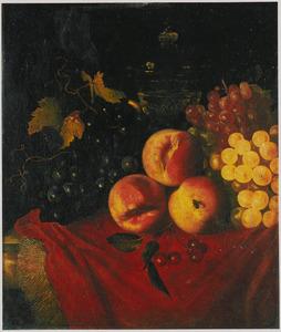 Stilleven van druiven, kersen en perziken op een marmeren blad