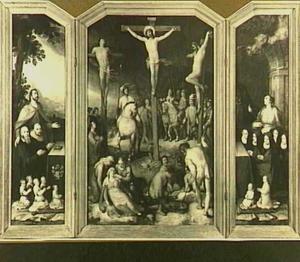 De H. Jacobus de Meerdere met stichters (links), de kruisiging (midden), de H. Apollonia met stichters (rechts)