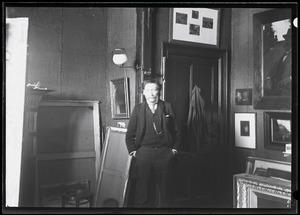 Portret van Willem Kloos in het atelier van Willem Witsen