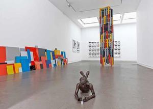 Interieur Galerie Annet Gelink tijdens tentoonstelling Ryan Gander