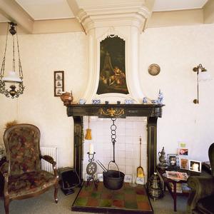 Neoclassicistische schoorsteenboezem met schildering