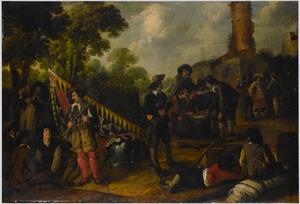 Rustende en dobbelende soldaten in een legerkamp