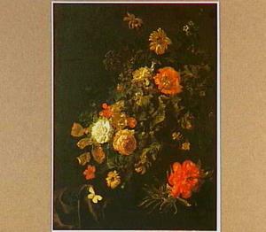 Stilleven van bloemen in een urn