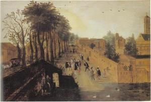 Elegant gezelschap op een weg langs een kloostermuur