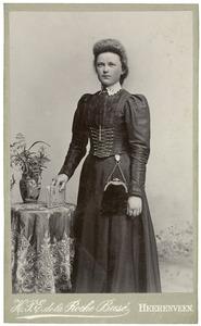 Portret van Marie Knol (1882-1960)
