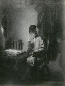 Jonge geleerde in zijn studeerkamer