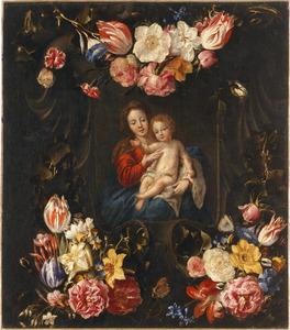 Bloemen rond een voorstelling van Maria met het Christuskind in een gebeelhouwde cartouche