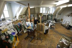 Ger Lataster in zijn atelier