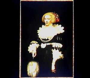 Portret van een elegante dame met een waaier