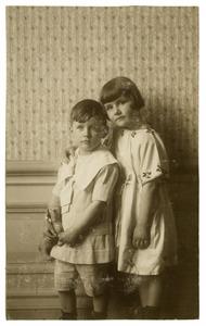 Portret van Marguerite Heldring (1915-1935) en Jerome Louis Heldring (1817-?)