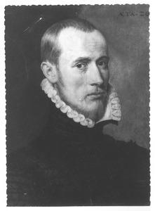 Portret van een man op 26-jarige leeftijd