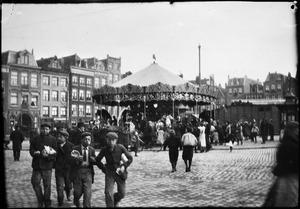 Kermis op het Haarlemmerplein te Amsterdam