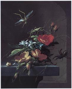Stilleven van bloemen op een stenen plint voor een nis met een vliegend hert, sprinkhanen en een slak