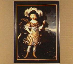 Portret van een jongen als jager in antiek kostuum met speer en hond