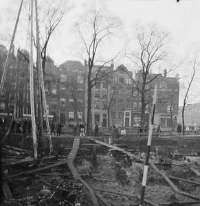 Gezicht op de doorbraak van de Raadhuisstraat en de kruising met de Keizersgracht