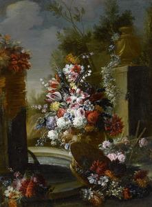 Bloemstilleven in een parklandschap met een fontein, een mand en een vaas
