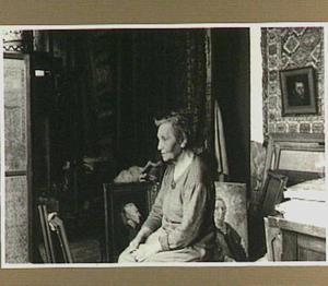 Portret van de kunstenaar Sara Heyberg-Ledeboer