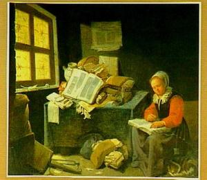 Lezende vrouw in een interieur met folianten