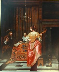 Citer spelende vrouw en een zingend paar in een voornaam interieur