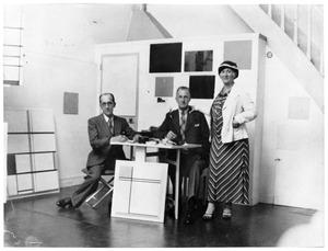 Carel en Mary Mondriaan op bezoek bij Piet Mondriaan