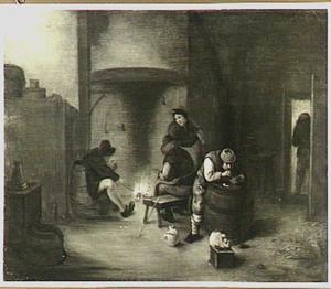 Rokende en drinkende mannen bij een haardvuur in een interieur