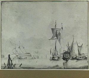 Schepen in een haven, links een schip dat wordt gekalefaterd