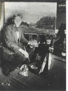 De schilder Jac. L. Jongsma (1893-1926) in zijn atelier