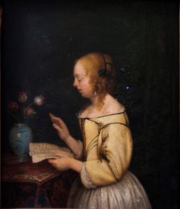 Jonge vrouw met een brief