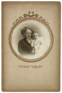 Portret van Wilhelmina Frederika Bijleveld en Letty M. Doyer