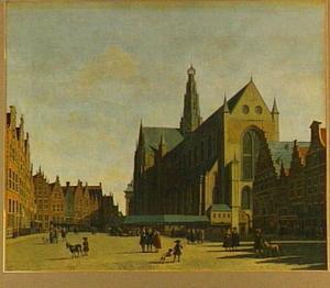 Gezicht op de Grote Markt te Haarlem met de Grote of Sint-Bavokerk