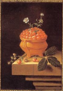 Stilleven met kom met aardbeien en takje en losse aardbeien op stenen tafel