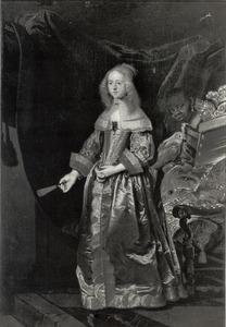 Portret van Sophie Amalie van Brunswijk Lüneburg  (1628-1685), met een bediende