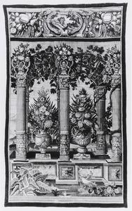 Pergola met vazen en bloemen