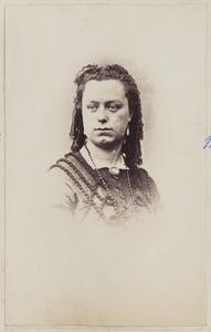 Portret van een vrouw, mogelijk Catharina barones van Sytzama (1845-1892)