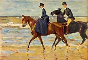 Catharina van der Kuijlen met haar begeleider op het strand van Scheveningen