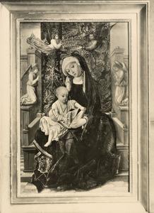 Tronende Maria met kind met engelen