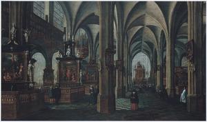 Kerkinterieur met wandelaars en een processie