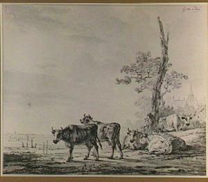 Herder met koeien aan een oever, op de achtergrond een landhuis