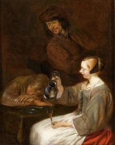 Jonge vrouw die haar glas vult, daarbij een slapende soldaat en een toeschouwer