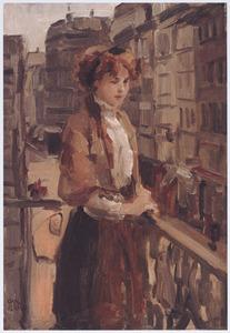 Vrouw op een balkon in Parijs