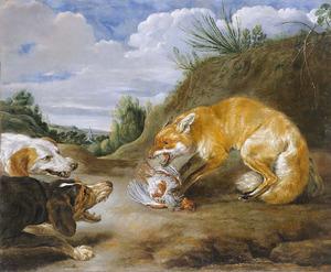 Twee honden bedreigen een vos die een kwartel heeft verschalkt