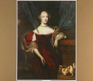 Portret van een vrouw, staande naast een zuil