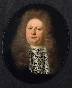 Portret van een man in zwart kostuum met een kanten jabot