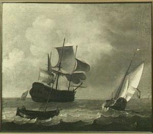Spiegelpaviljoensjacht en driemaster op zee