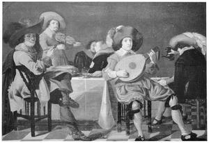 Elegant drinkend, rokend en musicerend gezelschap in een interieur