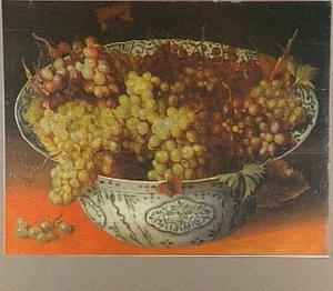 Chinese schaal met druiven